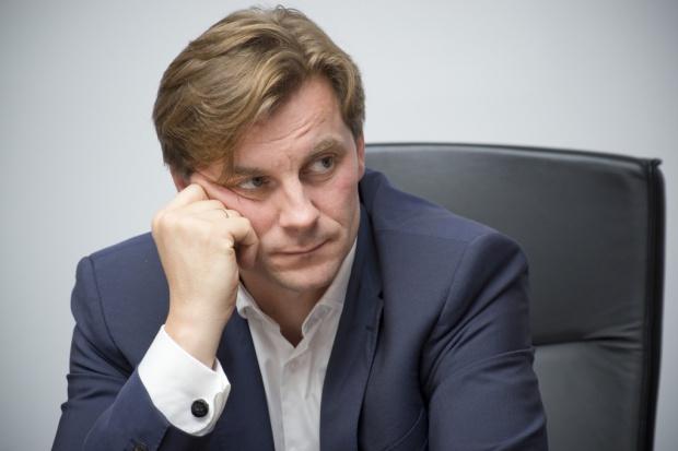 Dwóch członków zarządu PGE odwołanych, Woszczyk zostaje