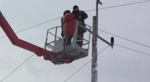 Silny wiatr pozbawił prądu tysiące gospodarstw