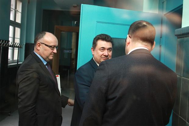 KW: związki chcą cofnięcia wypowiedzenia porozumienia; Tobiszowski liczy na dialog