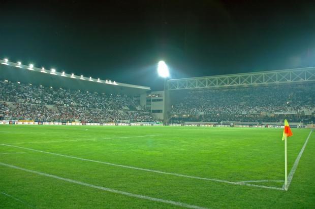 Kluby Ekstraklasy zwiększają wydatki na piłkarzy