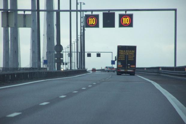 Ile kosztowałby Europę demontaż strefy Schengen?