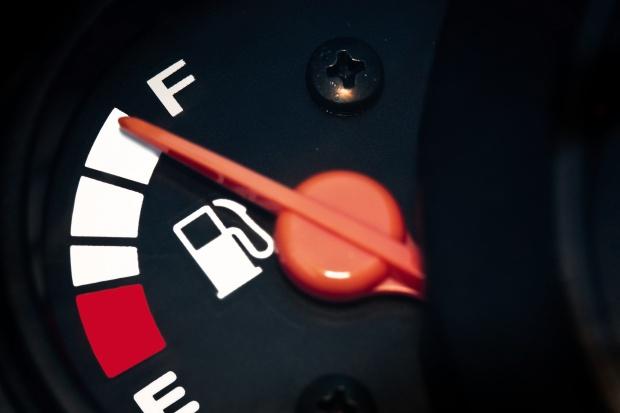 Przed nami dalsze obniżki cen paliw