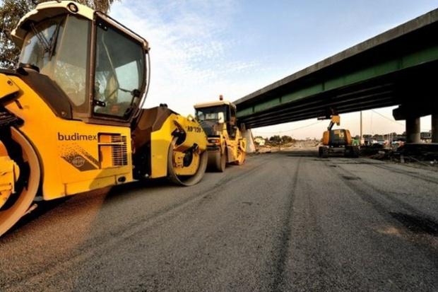 Ogromne wydatki na drogi w Polsce. Rząd sypie kontraktami jak rękawa