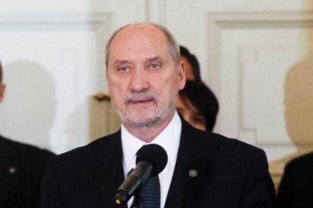 Macierewicz: Polska u progu pełnoprawnego członkostwa w NATO