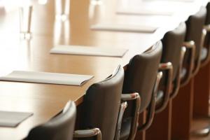 18 lutego RDS m.in. o umowach o pracę w zamówieniach publicznych