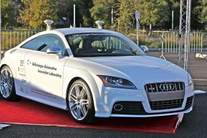 Tak największe koncerny pracują nad autonomicznymi samochodami