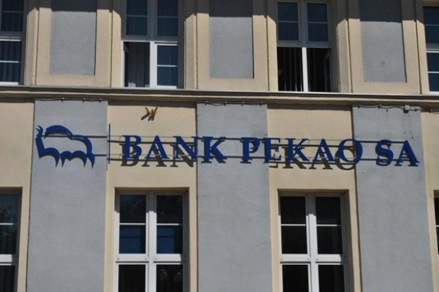 Zysk netto banku Pekao spadł do 438 mln zł
