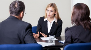 Umowy o pracę z możliwością bezpłatnego urlopu rozwiążą patologie?