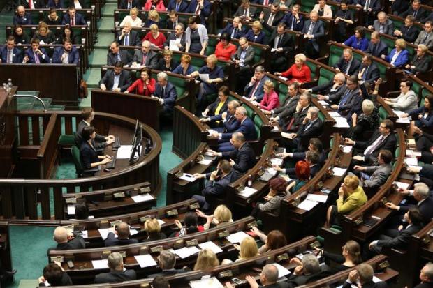 Sejm za oddaniem spółek energetycznych i paliwowych Ministerstwu Energii