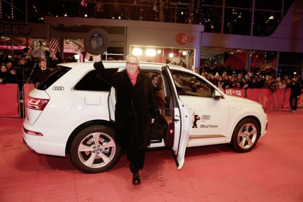 Bezemisyjne Audi wprowadza gwiazdy w światła reflektorów