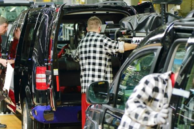 Prawie 9 tysięcy dostawczych aut z Polski