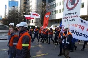 Polscy hutnicy też protestują w Brukseli