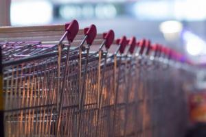 Związkowcy: Ustawa o handlu w niedzielę nie sprawdza się