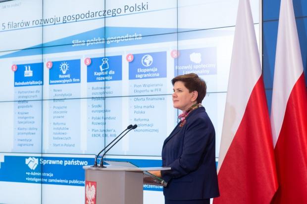 Premier: musimy odbudować polski przemysł