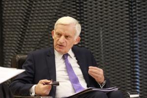 Buzek: propozycje KE to krok w dobrym kierunku