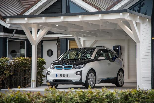 BMW i - pozytywny bilans roku