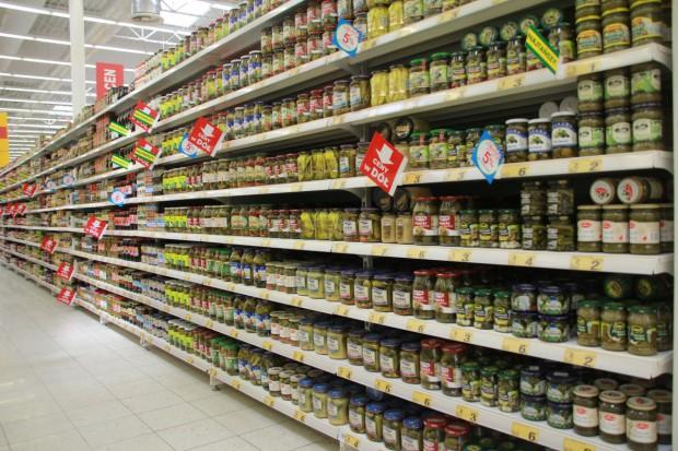 Bugaj o podatku od sklepów: dużo okazji do omijania daniny