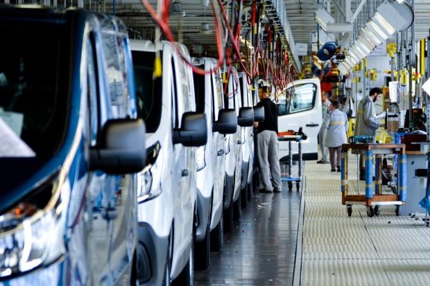 Nissan NV 300 będzie produkowany w fabryce Renault w Sandouville