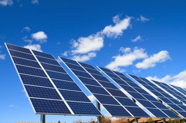 Pakistański parlament zasilany wyłącznie energią słoneczną