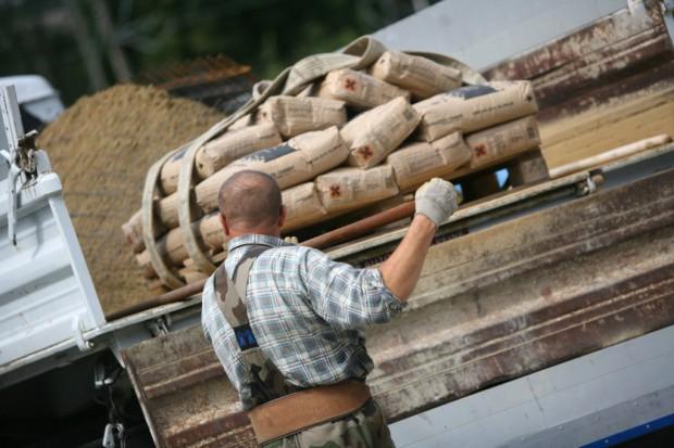 Podrabiany cement wciąż dużym problemem w Polsce