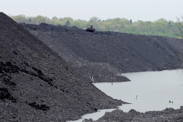 Prawie 1,9 mld zł strat górnictwa węgla kamiennego w 2015 roku