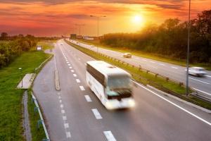 Francja. Czworo dzieci zginęło w wypadku szkolnego autobusu