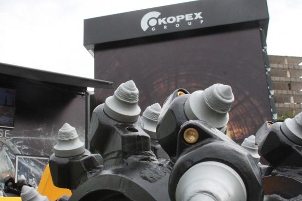 Trzy kolejne banki ograniczają finansowanie Kopeksu