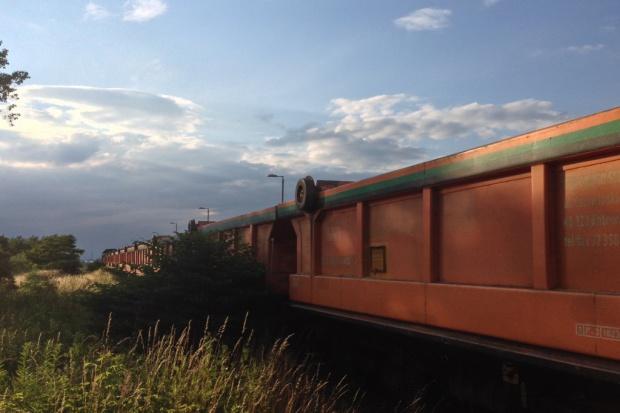 Średnie opóźnienie pociągu towarowego przekracza 10 godzin