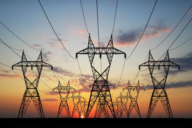 Naimski: nie ma miejsca na stały import energii elektrycznej
