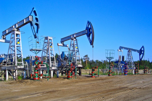 Rosyjskie firmy naftowe zamrożą pułap wydobycia ropy