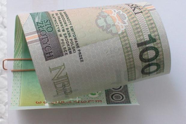 Wiceminister pracy: udział w 500+ korzystny dla banków