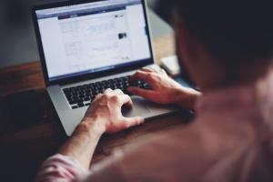 Chcesz korzystać z internetu? Będziesz musiał zarejestrować się w rządowej bazie