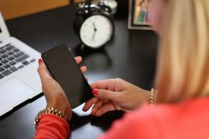Rośnie popularność bankowości mobilnej w Polsce
