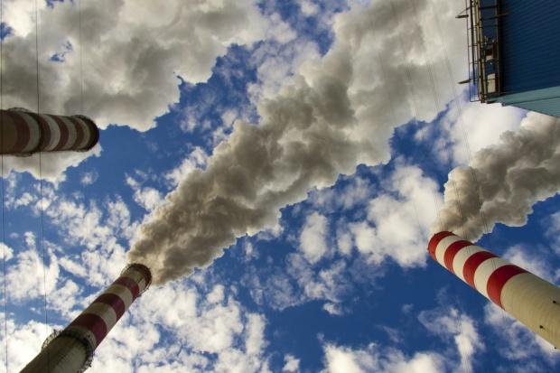 CBOS: 78 proc. Polaków uważa, że węgiel najbardziej szkodzi klimatowi