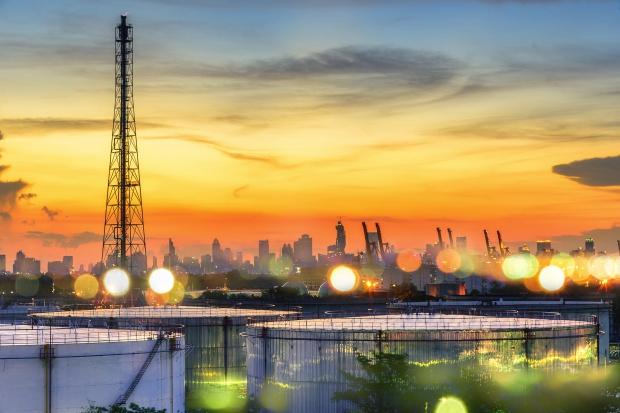 Saudi Aramco stawia na rafinerie i gaz