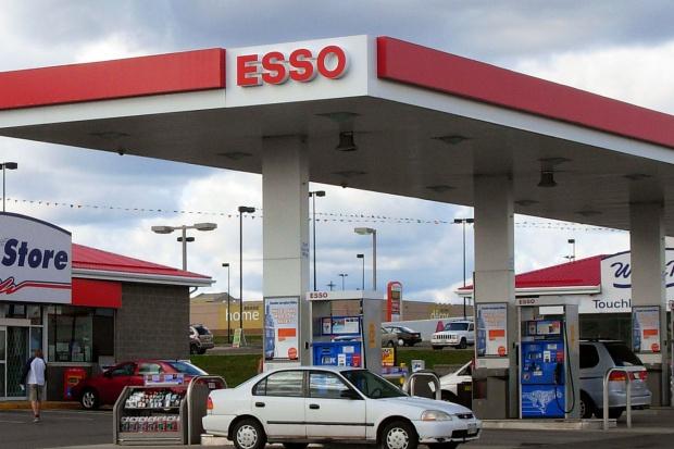 Będzie mniej stacji Esso w Kanadzie