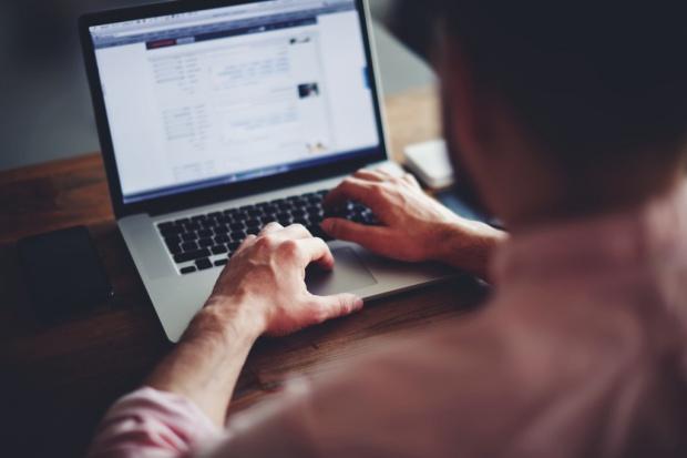 Polacy nie lubią reklam w internecie - blokują ich najwięcej