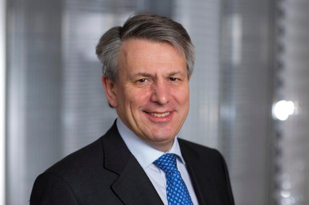 Prezes Shell zarobił mniej w 2015 roku
