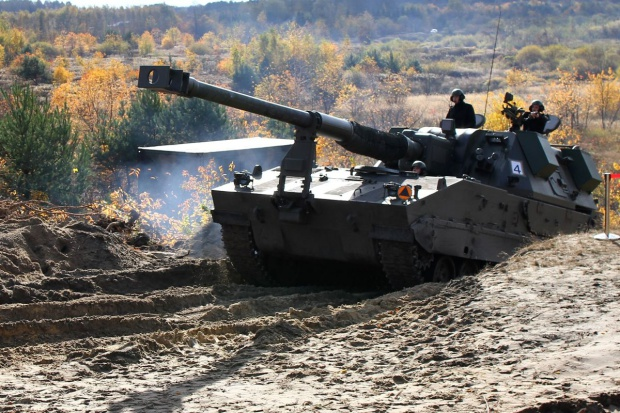 HSW dostarczyła wojsku dwie pierwsze armatohaubice Krab