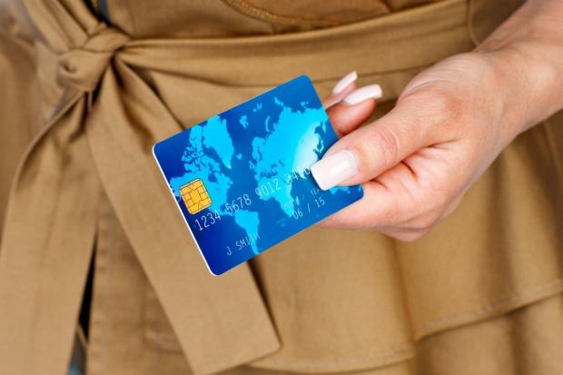 Płatności bezgotówkowe ograniczą szarą strefę