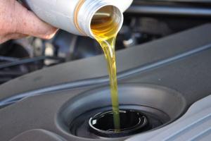 Branża o objęciu olejów smarowych systemem EMCS