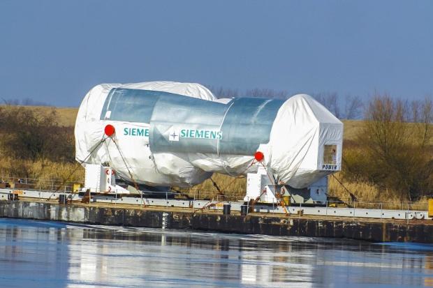 Turbina nowej elektrociepłowni Orlenu płynie do Płocka