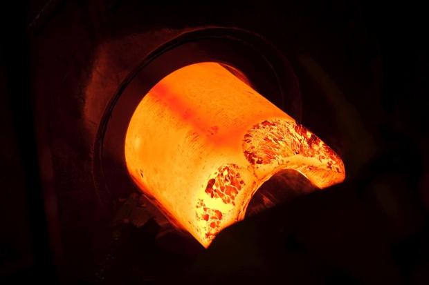 Produkcja stali znowu spada