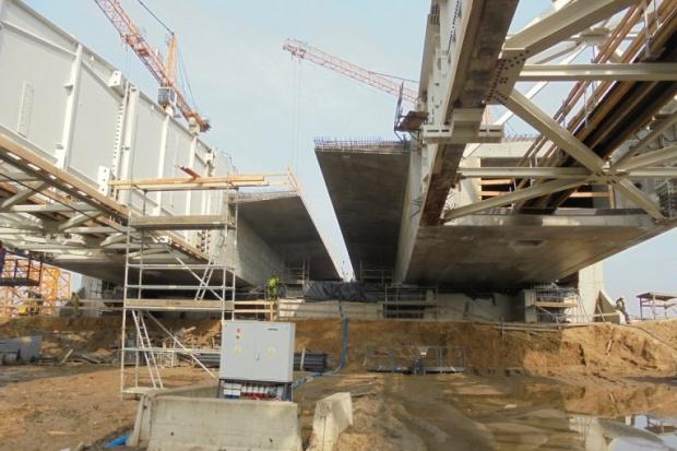 Budimex i Strabag budują 748-metrowy most na S5