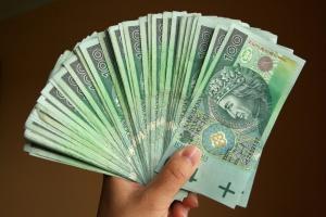 Wydłuża się życie polskich banknotów