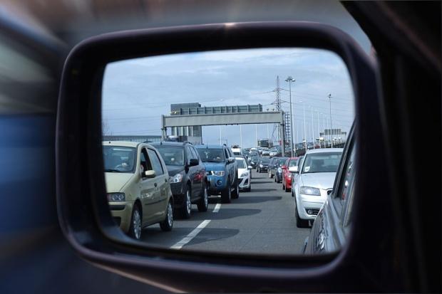 Rośnie problem korzystania z telefonu podczas jazdy