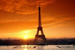Zamieszki w Paryżu obok protestu przeciw polityce rządu