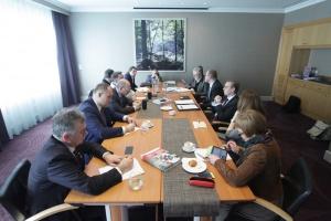 Wokół ustawy wiatrakowej - debata redakcyjna Nowego Przemysłu (cz. 1)