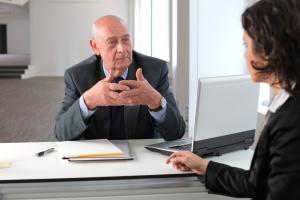 Pracujący senior opłaca się firmie i gospodarce?