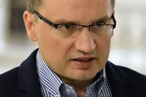Ziobro: 25 lat więzienia za fałszowanie faktur wartych 10 mln zł, a nie 5 mln zł